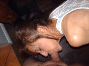 Arbia pegging escorts in Country Club